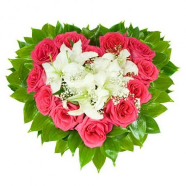 S7 FLOWER ARRANGEMENT HEART WITH LILIES AND ROSES
