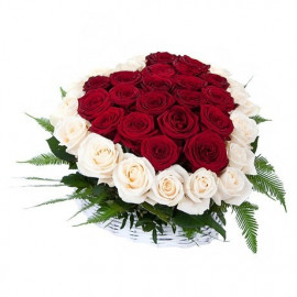 S3  FLOWER ARRANGEMENT HEART WITH RED AND WHITE ROSES