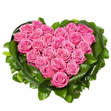 S6 FLOWER ARRANGEMENT HEART WITH PINK ROSES