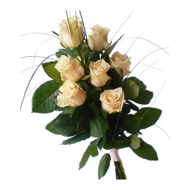 A44 BOUQUET OF ROSES AND GREENERY