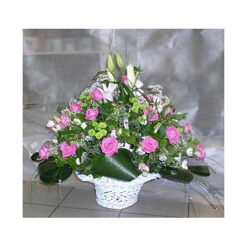 K22 BIG FLOWER ARRANGEMENT WITH CHRYSANTHEMUMS,LILY AND ROSES