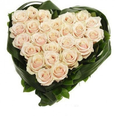 S4 FLOWER ARRANGEMENT  HEART WITH WIHTE ROSES