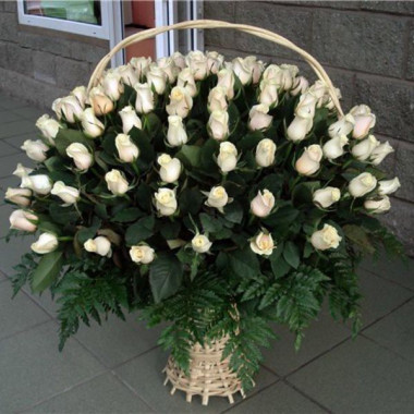 K24 BIG FLOWER ARRANGEMENT WITH 101 ROSES