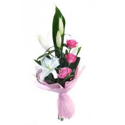 A74 MIXED BOUQUET OF ROSES AND LILY