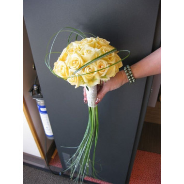 H25 BRIDAL BOUQUET