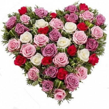 S5 FLOWER ARRANGEMENT  HEART OF MIX ROSES