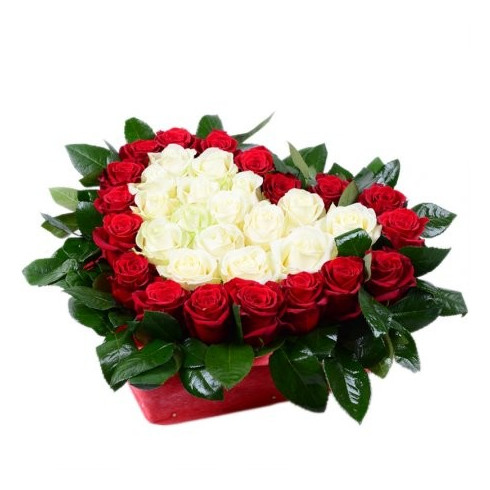 S1 FLOWER ARRANGEMENT HEART WITH RED AND WHITE ROSES