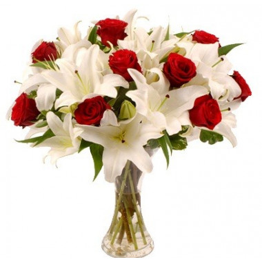 A10 MIXSED BOUQUET OF LILY AND ROSES