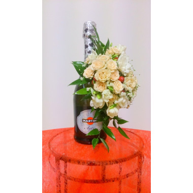 C20 SPARKLING WINE MARTINI ASTI WITH FLOWER ARRANGEMENT