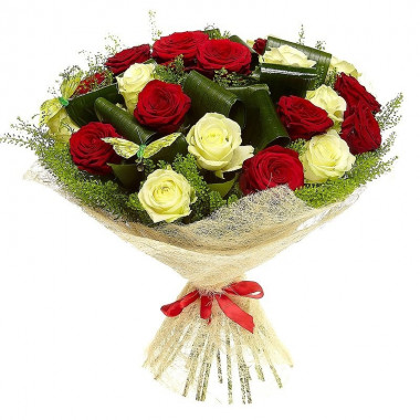 A115 BOUQUET OF RED AND WHITE ROSES