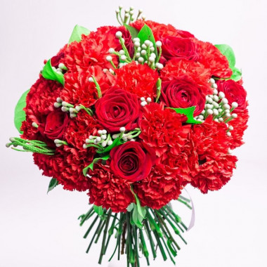 A116 MIXED BOUQUET WITH CARNATIONS AND ROSES