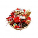 P3 SWEET BASKET WITH CANDY AND CHOCOLATE