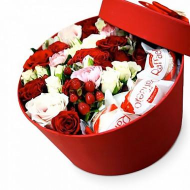 Раффаелло и цветы в коробке