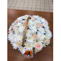 K4 FLOWER ARRANGEMENT WITH ROSES AND CHRYSANTHEMUMS